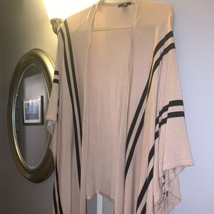 One size fits most (M/L) Light Poncho